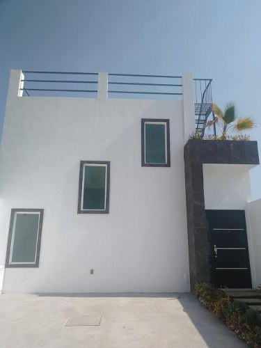 casa sola en venta en fraccionamiento con vigilancia