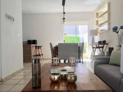 casa sola en venta excelente oportunidad! casa 3 rec bien ubicada a solo $700,000.00