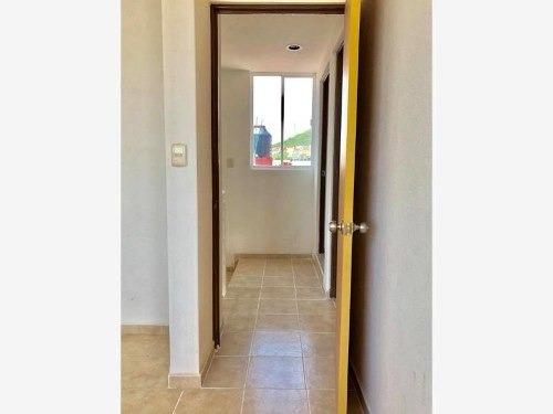 casa sola en venta fabulosa casa 2 niveles, 3 recamaras $726,000.00