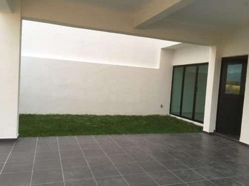 casa sola en venta fraac lomas de la rioja