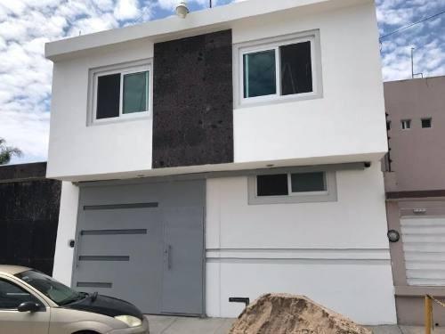 casa sola en venta fracc los alamitos