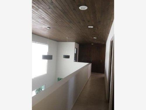 casa sola en venta fracc mision san jerónimo
