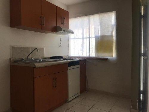 casa sola en venta fracc. montebello
