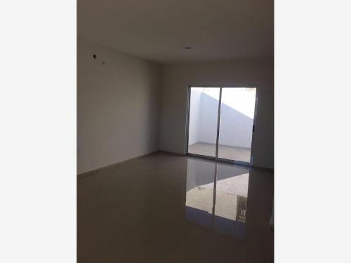 casa sola en venta fracc . real del valle