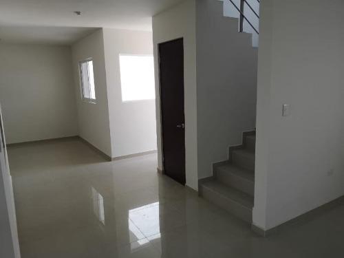 casa sola en venta fracc. residencial balcón de tapias