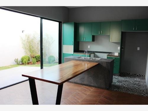 casa sola en venta fracc. valle verde