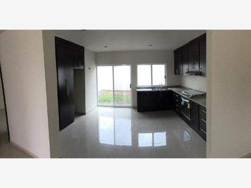 casa sola en venta fraccionaamiento el lago residencial