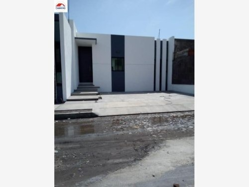 casa sola en venta fraccionamiento loredo, colima, col; frente al hospital regional, atrás del sat