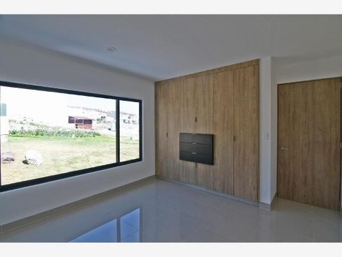 casa sola en venta fraccionamiento zibata