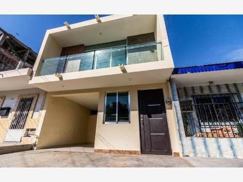 casa sola en venta independencia centrica cerca de playas y centros comerciales