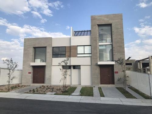 casa sola en venta juriquilla