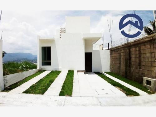 casa sola en venta la azteca
