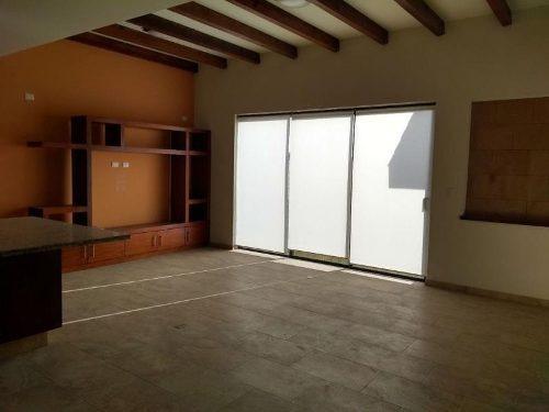 casa sola en venta lomas de angelópolis