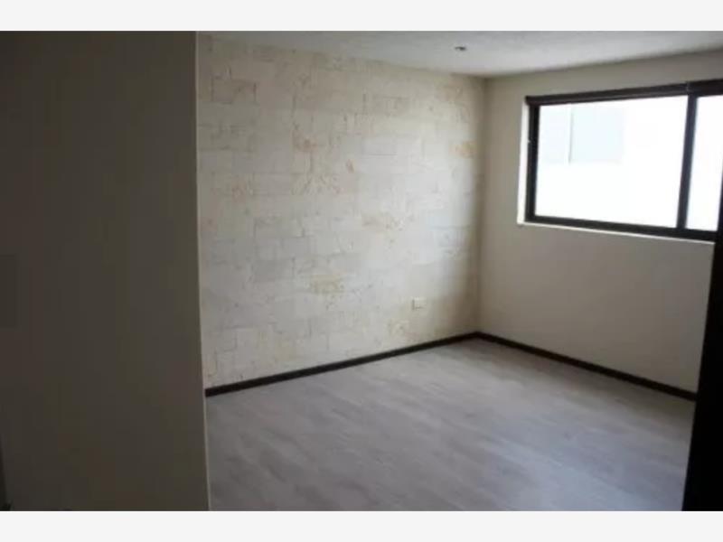 casa sola en venta lomas de angelopolis parque victoria