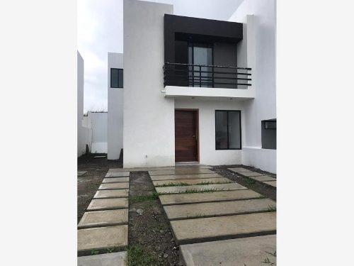 casa sola en venta lomas de la rioja