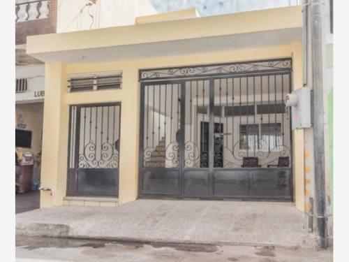 casa sola en venta reforma a pasos del malecon de mazatlan