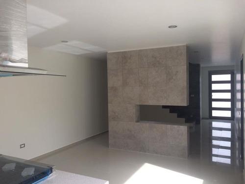 casa sola en venta residencial platinum aun lado de plaza explanada