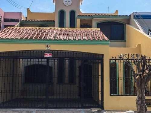 casa sola en venta tellerias frente acuario vista a malecon