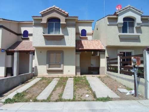 casa sola en venta urbi quinta versalles