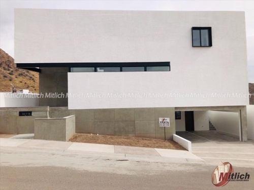 casa sola en venta venta con recamara planta baja bosques del valle $7,350,000