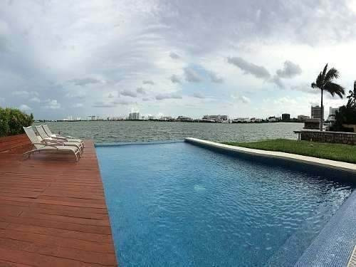 casa sola en zona hotelera, isla bonita