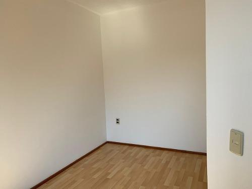 casa sola muy iluminada grandes espacios