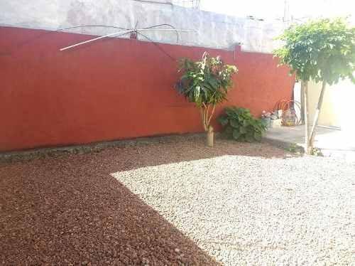 casa sola seminueva en jiutepec con recámara en planta baja