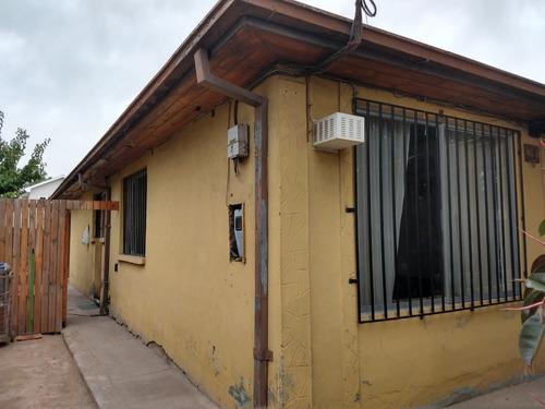 casa solida grande muy buen sector residencial