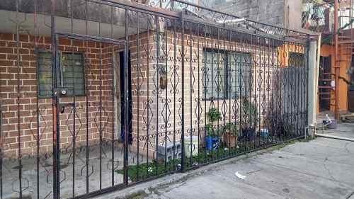 casa super bien ubicada a 2 cuadras de av eloy cavazos
