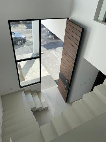 casa sustentable venta con recamara en planta baja cumbres de santiago carretera nacional santiago nl   casa en venta