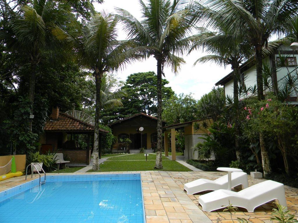 casa temporada são sebastião piscina acomoda 14 pessoas