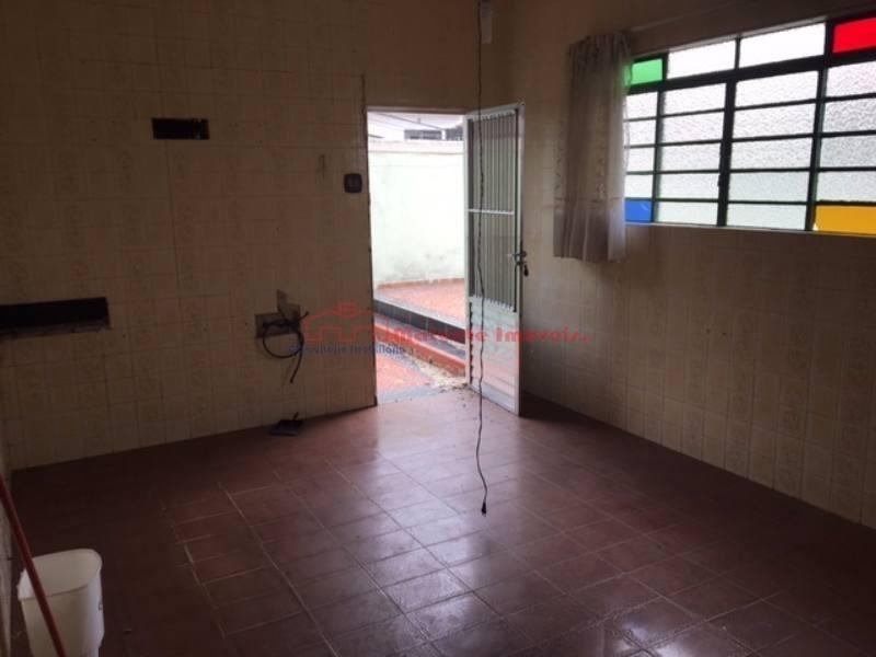 casa terrea  13,00 x 40,00 com 3 suites proximo ao metro com piscina ,crurrasqueira , garagem para 5 autos - 1261