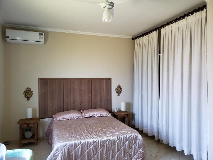 casa térrea 4 dorm 2 stes piscina condomínio jd. palmeiras