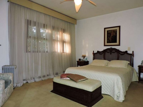 casa térrea á venda em cotia com 4 dorms - silva 78253