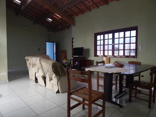 casa térrea a venda em peruíbe à 100 metros do mar