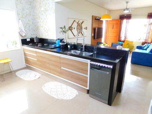 casa térrea c/ ótima localização a venda em peruíbe
