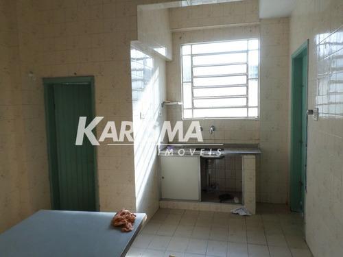 casa térrea com 01 dormitório, sala, cozinha, banheiro, lava