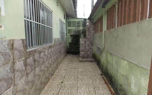 casa terreá com 02 dormitórios