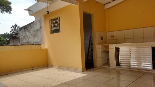 casa térrea com 02 dormitórios e 02 vagas  na garagem