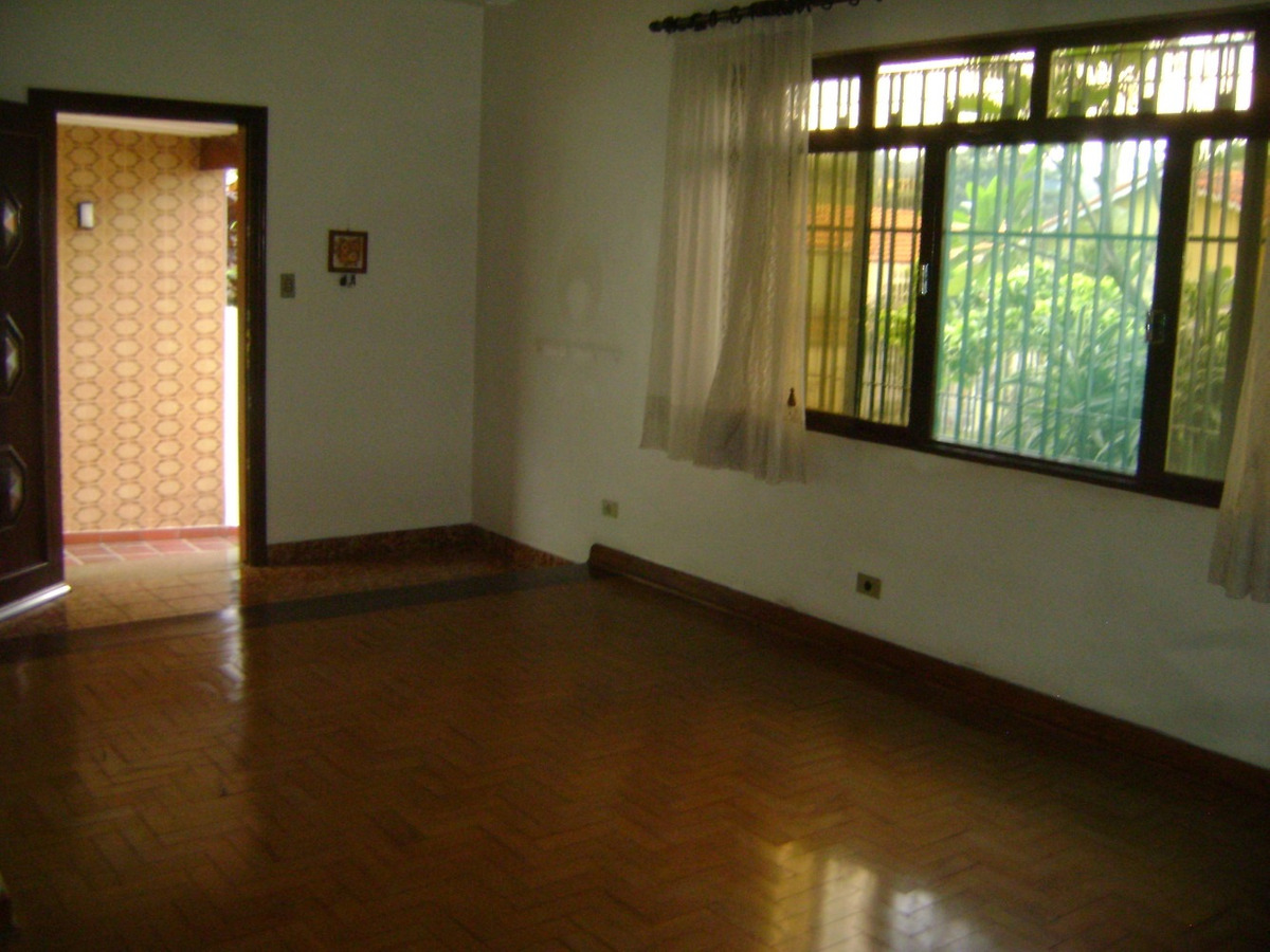 casa térrea com sala de estar e jantar amplas.shiela 82015