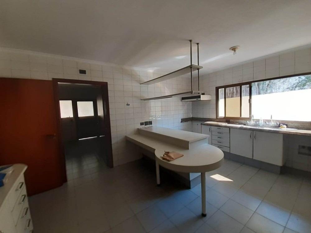 casa térrea de 4 dorms,2 suítes,sala c/lareira. cod 84286