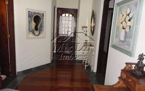 casa térrea no bairro do alphaville - santana de parnaíba - sp, com 193 m² de área construída sendo 3 dormitórios sendo 1 suíte , sala, cozinha, 2 banheiros e 6 vagas de garagens