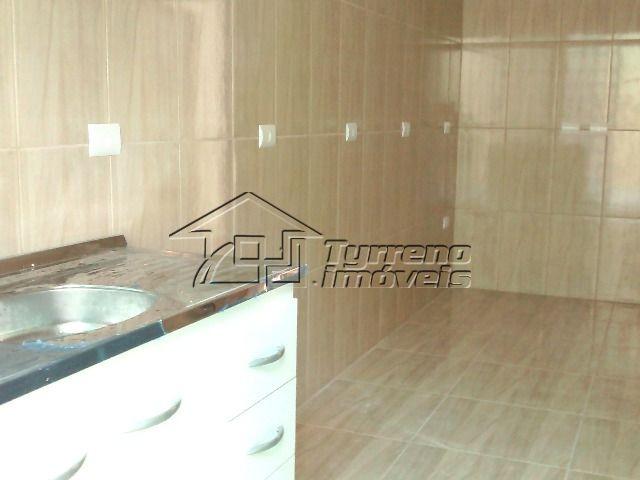 casa térrea nova 2 dormitórios com piscina na zona leste