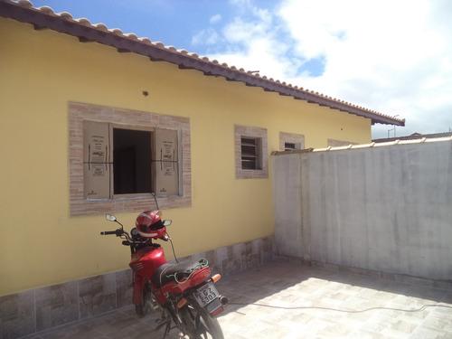 casa térrea nova e com ótima localização. ref. 896