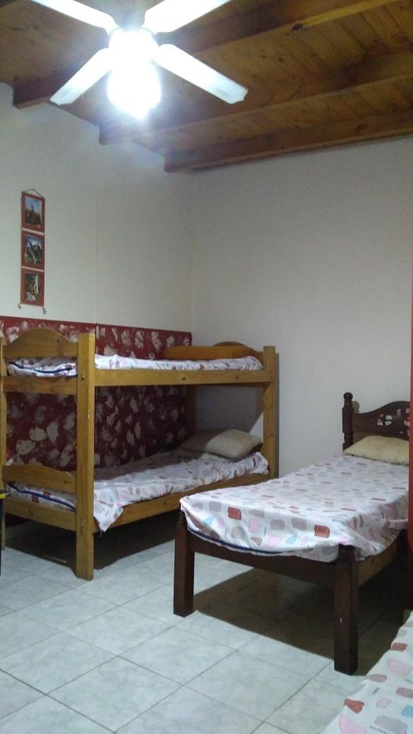 casa tipo campo de 4 ambientes , pileta