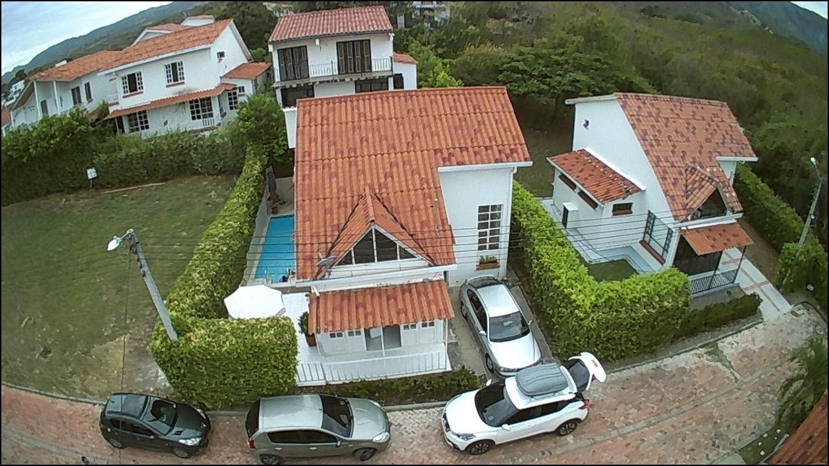 casa tipo chalet afueras de girardot
