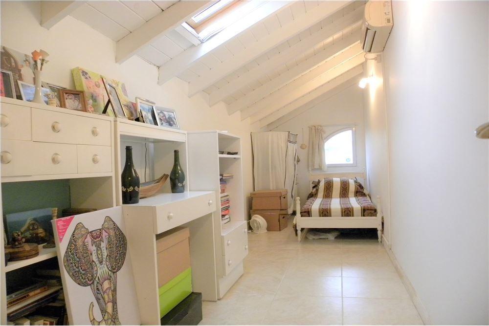 casa tipo duplex 3 ambientes mas playroom