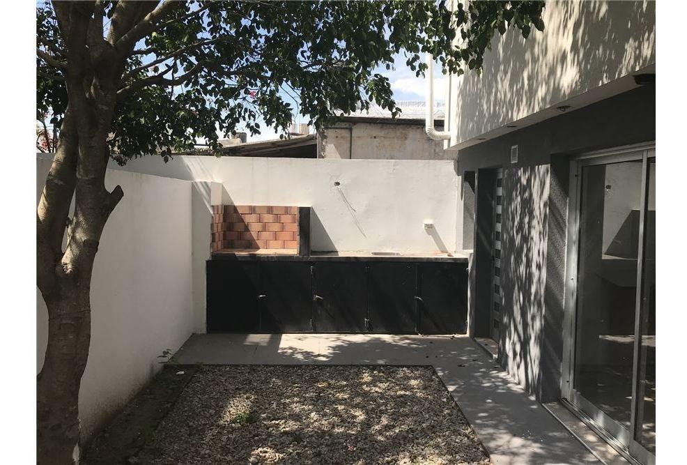 casa tipo duplex en venta 3 dormis la plata