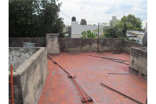 casa tipo ph con terraza propia