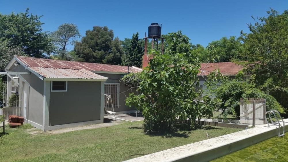 casa tipo quinta con casa para casero y tinglado.